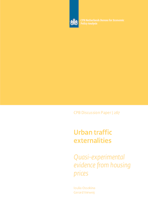 Urban traffic externalities: quasi-experimental evidence from housing prices