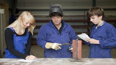Image for Hoger minimumjeugdloon heeft geen nadelig gevolg voor werkgelegenheid